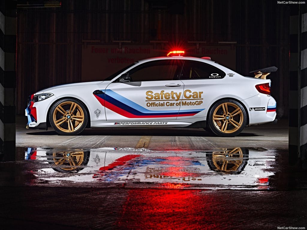 BMW-M2_MotoGP_Safety_Car_2016_1024x768_wallpaper_06