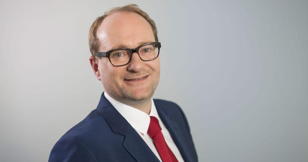 Minister van Mobiliteit en Openbare Werken Ben Weyts (N-VA) is tevreden met een stijging van de budgetten voor wegenonderhoud van 100 miljoen euro.