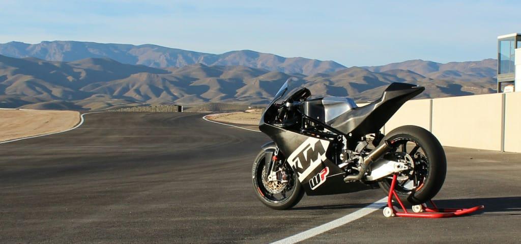 De eerste KTM met Honda viercilinder in lijn is een feit.