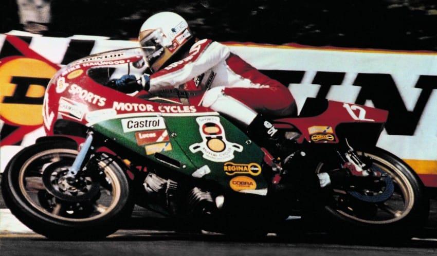 Mike Hailwood tijdens de '78 IOM TT op een Ducati 900SS.