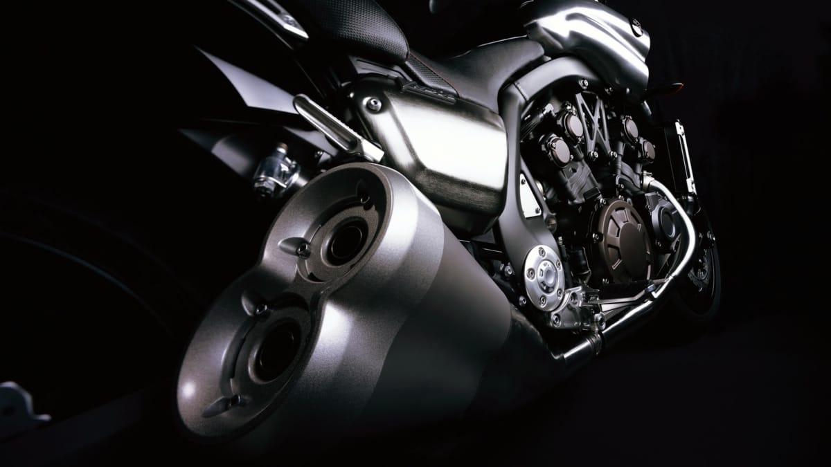 Yamaha-vmax-1800-exhausts-hd-motorcycle-detail-wallpaper-1920x1080