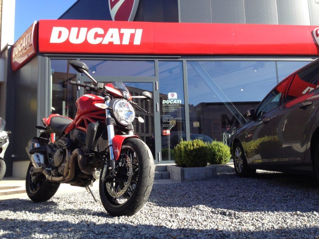 ducati-m821-stripe